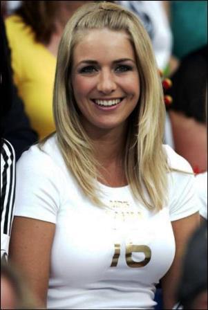 Claudia Schattenberg