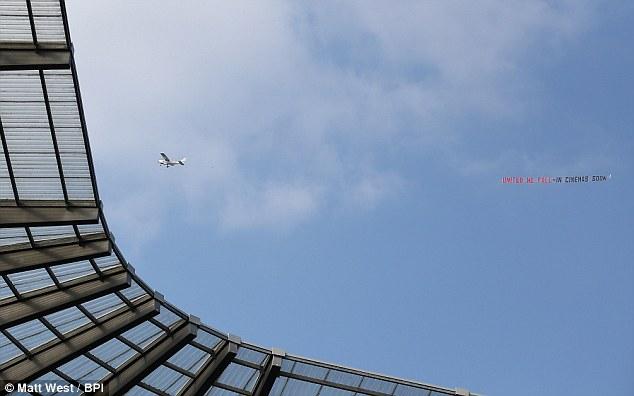 1411343920361 wps 33 A plane flies over the Et