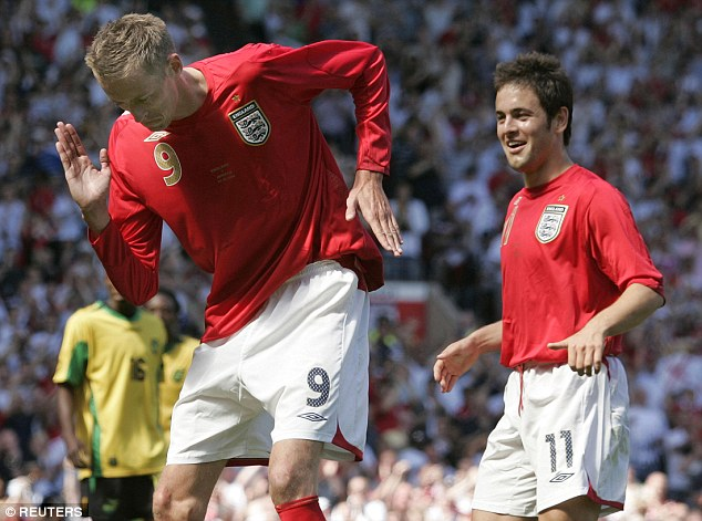 1412021286199 wps 4 England s Peter Crouch L
