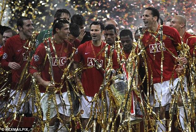 1412081769556 wps 88 Man Utd players celebrate copy copy