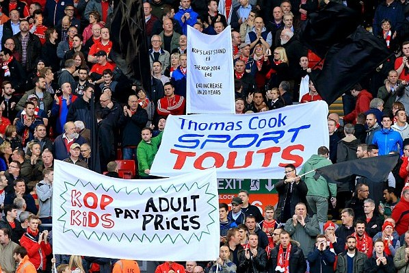 1414248582335 wps 2 Liverpool fans protest wi