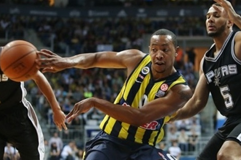 andrew-goudelock-against-the-spurs-photo-fenerbahce-org