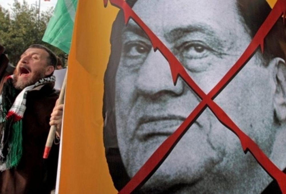 Αγωνία για τους Έλληνες της Αιγύπτου