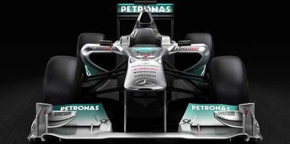 Η Mercedes αποκαλύπτει την W02