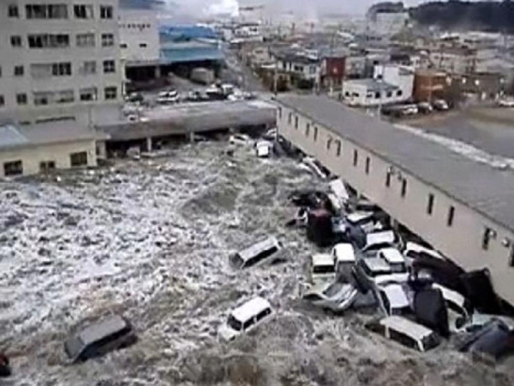 Νέο video από το τσουνάμι