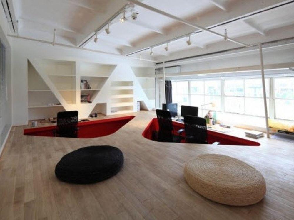 Γραφεία στην κόκκινη πόλη