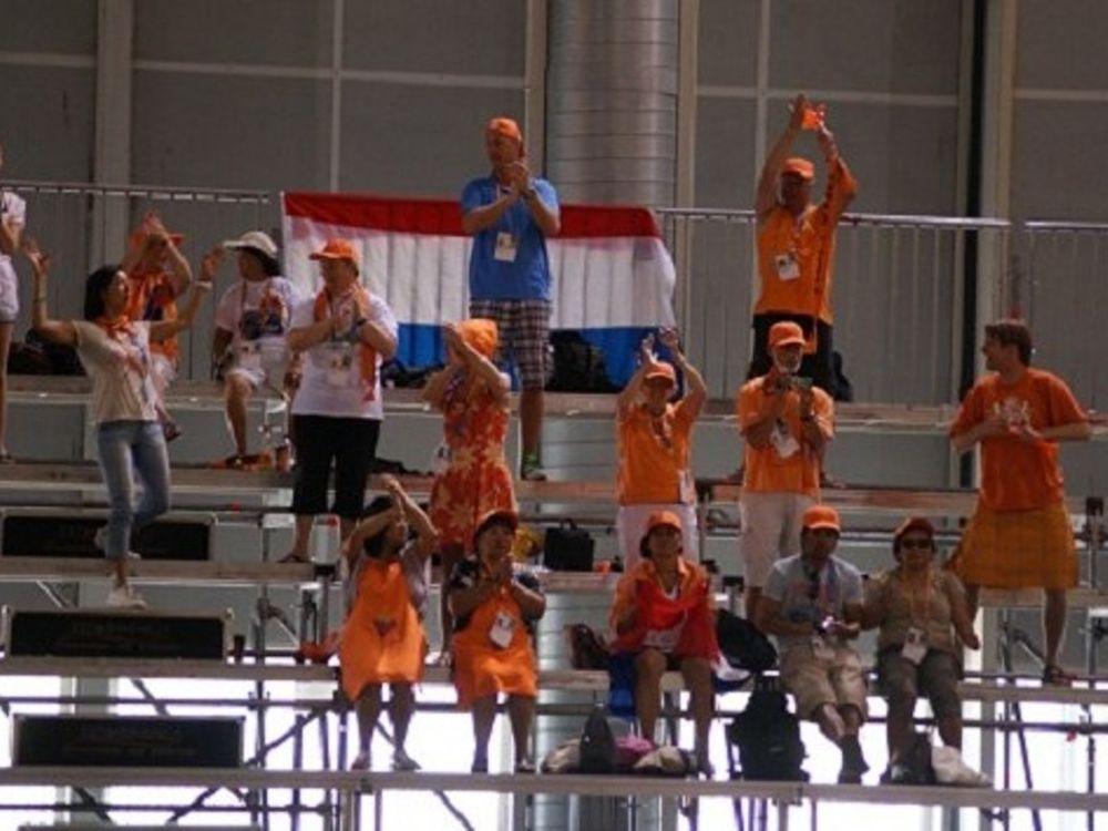 «Κλέβουν» τα φώτα οι Ολλανδοί