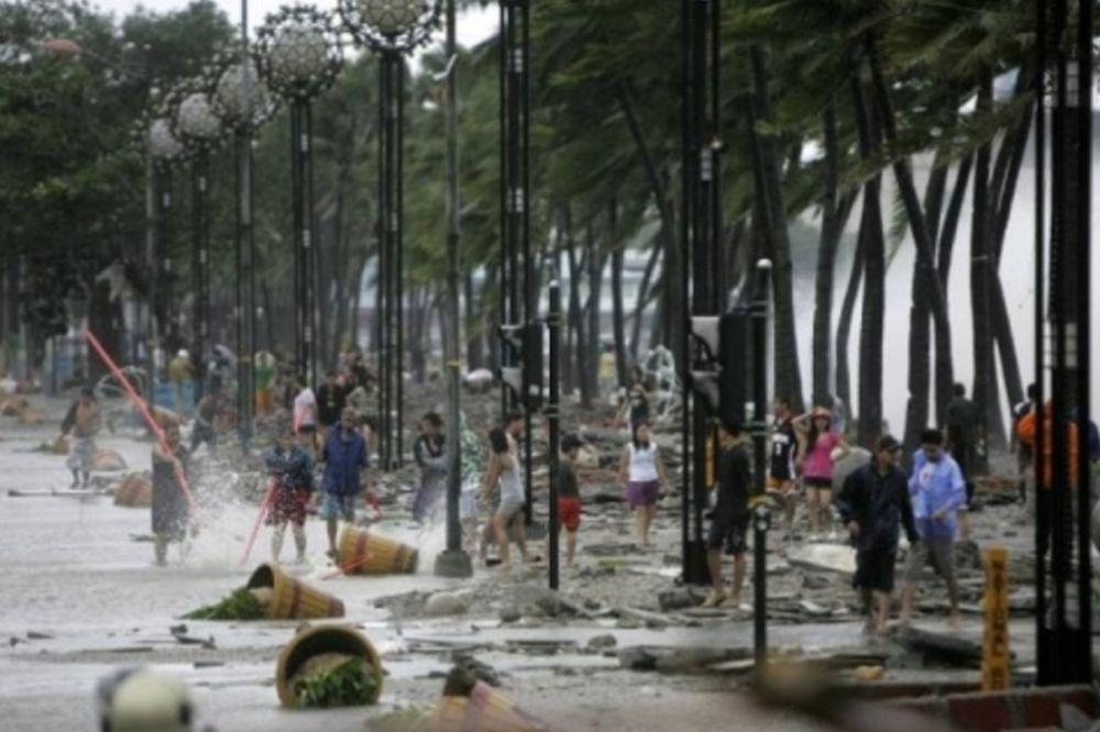 Μεγαλώνει η λίστα των θυμάτων στις Φιλιππίνες