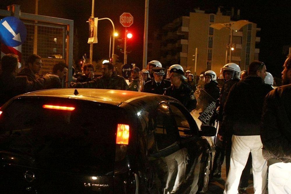 Συλλήψεις για το πανό στο ΟΑΚΑ