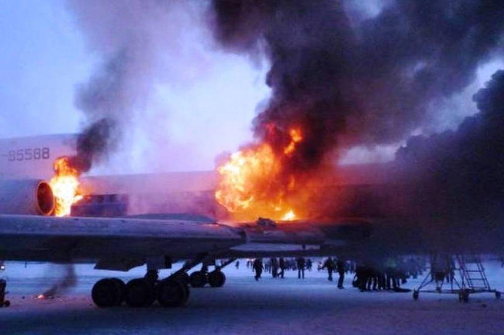 Υεμένη: Εκρήξεις σε αεροπορική βάση