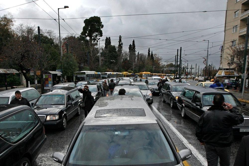 Οι νεκροφόρες κατέβηκαν στο κέντρο της  Αθήνας