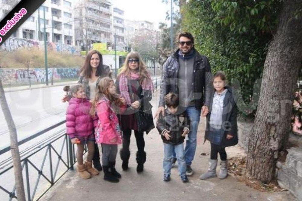 Βλοντάκης - Μαραγκόζη βόλτα με τα παιδιά τους
