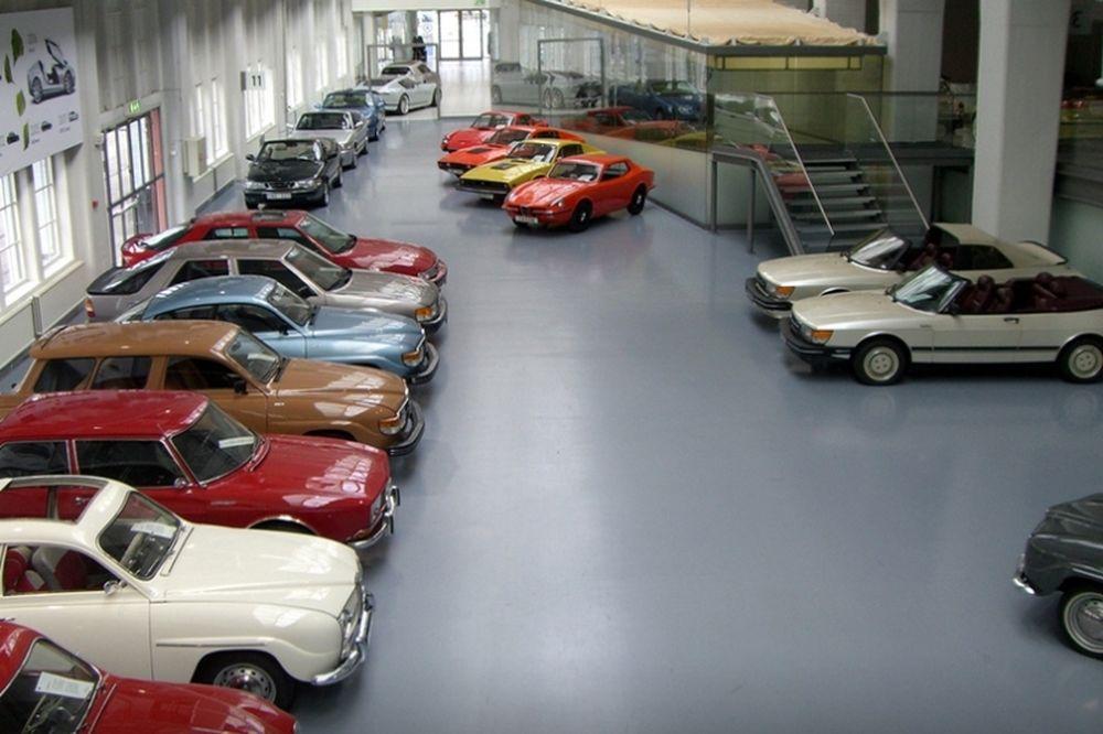 Σώθηκε το μουσείο της Saab (photos+video)