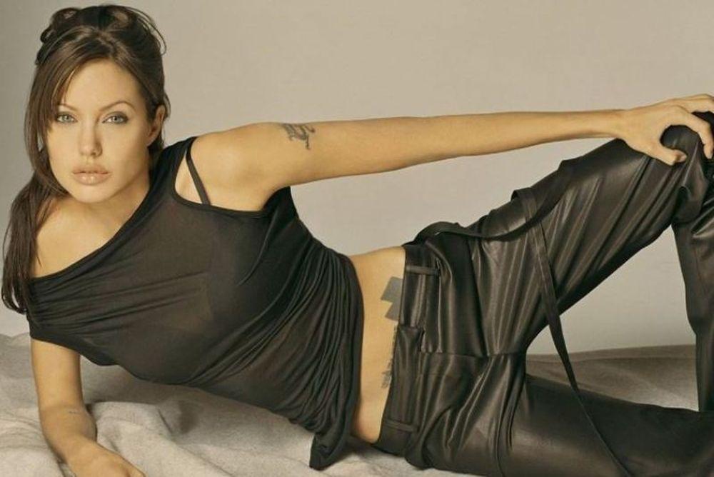 Συναγερμός στο Χόλυγουντ: Η Αντζελίνα έγκυος ή άρρωστη;