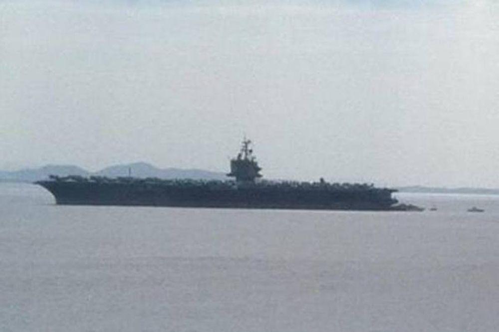 Στον Πειραιά το αεροπλανοφόρο USS Enterprise