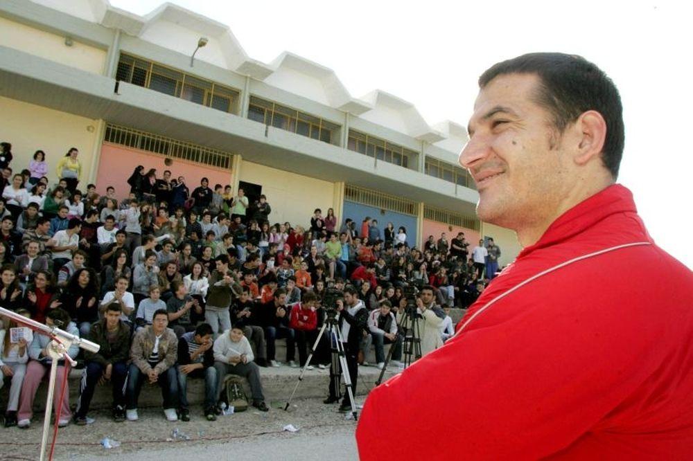 Πύρρος: «Η Ελλάδα μας χρειάζεται όλους»