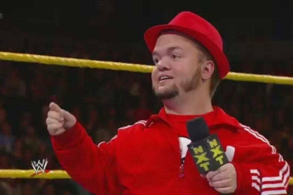 Έκτακτο... αφεντικό ο Hornswoggle στο NXT