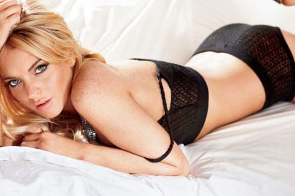 Λίντσεϊ Λόχαν: Η σέξι φωτογράφηση που την έχρισε Ελίζαμπεθ Τέιλορ