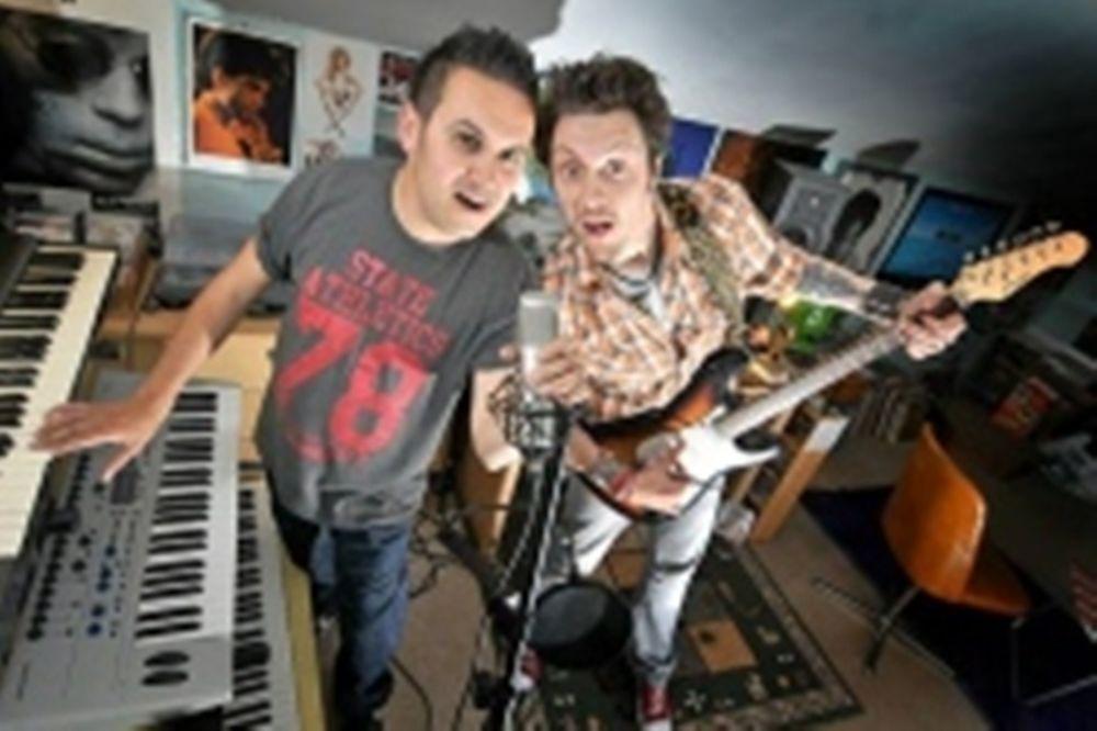 Euro 2012: Αγγλική μπάντα έγραψε τραγούδι για το Euro