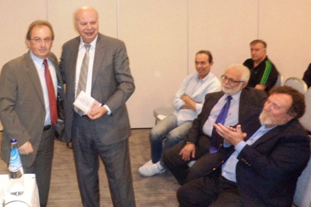 Τιμήθηκε από την Καβάλα ο Βασιλακόπουλος (photos)