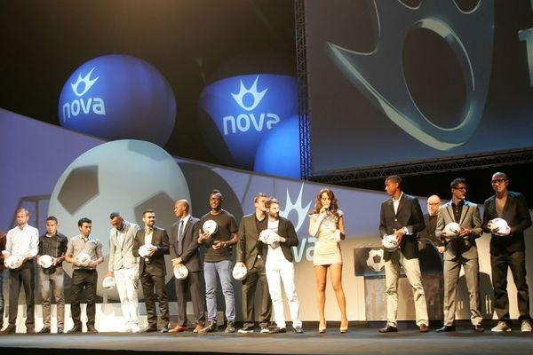 Ερυθρόλευκα τα βραβεία της Nova (photos+videos)