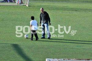Μπάλα με τα παιδιά του ο Γιαννακόπουλος (photos)