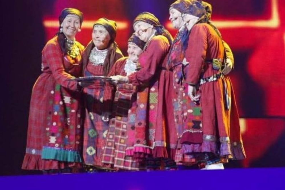 Eurovison 2012: Οι γιαγιάδες της Ρωσίας «έψησαν» και στον τελικό