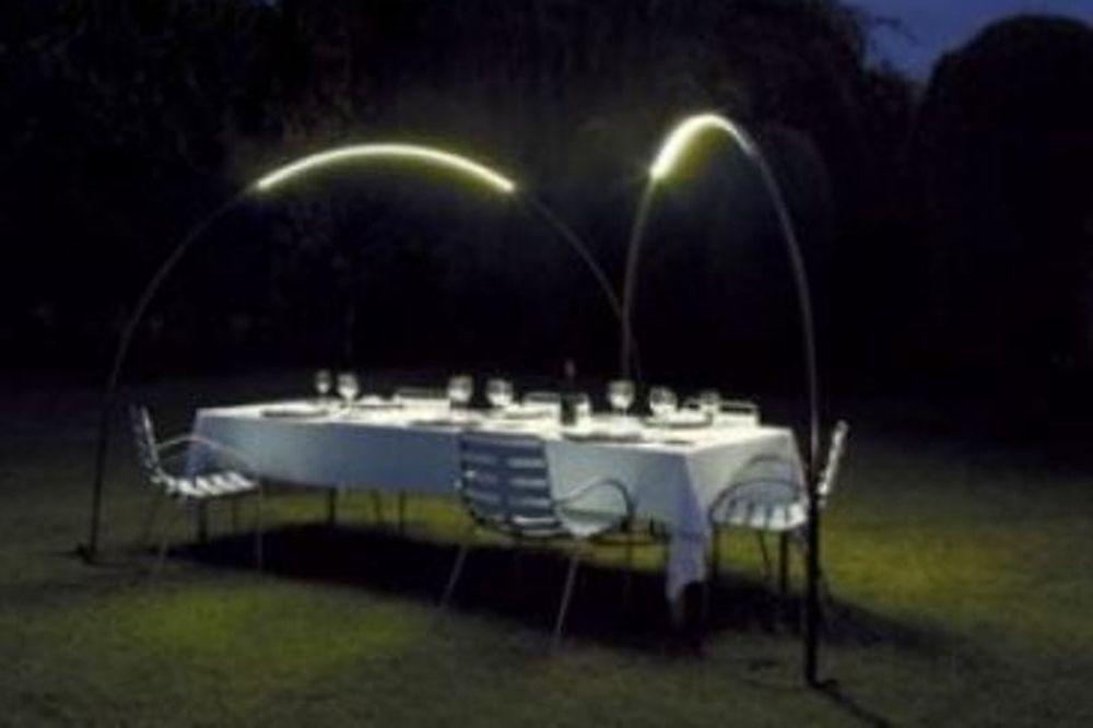 Ένα φωτεινό τόξο για τον κήπο σας