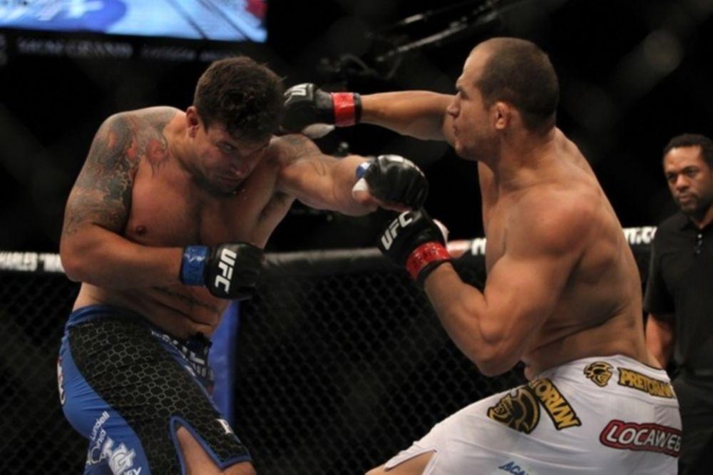 Παρέμεινε παγκόσμιος πρωταθλητής ο Junior Dos Santos στο UFC 146