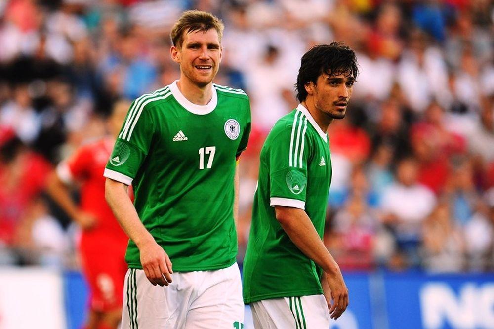 Euro 2012: Στηρίζει Χούμελς – Μερτεζάκερ ο Λεβ