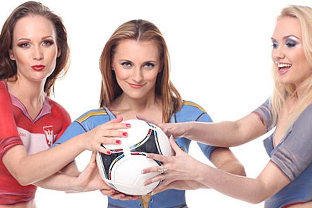 Euro 2012: H Iταλία νίκησε στο... γυμνό Euro! (photos)