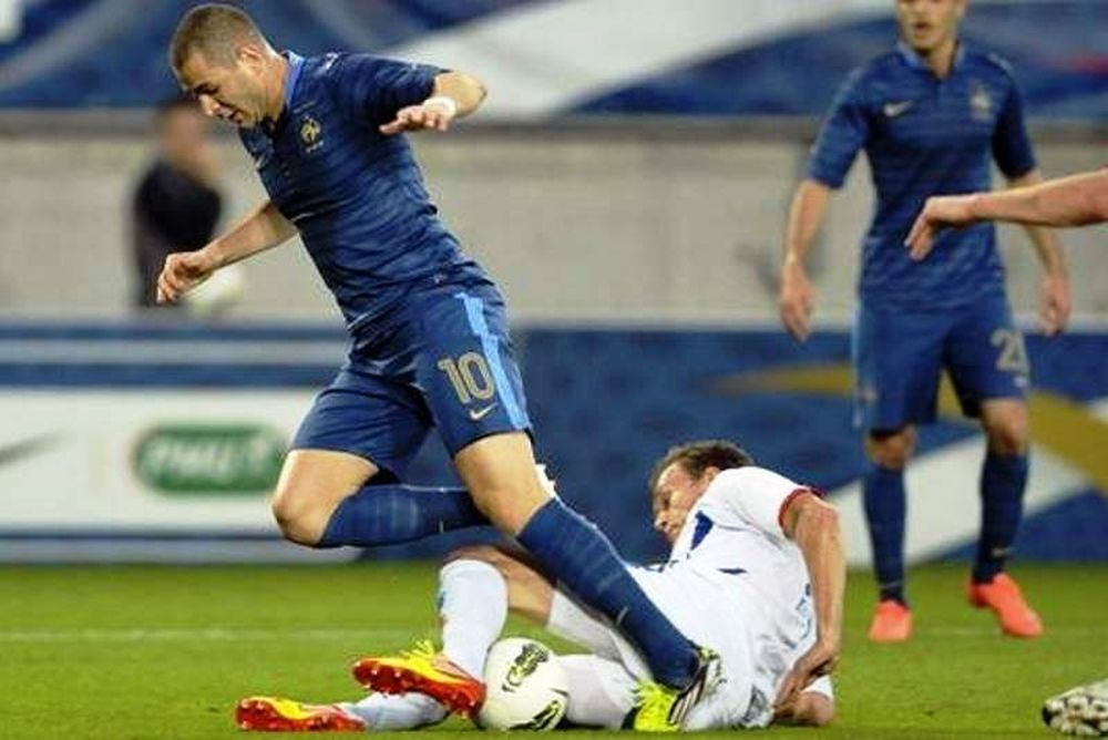 Euro 2012: Σκέφτεται σχήμα με δύο επιθετικούς ο Μπλαν