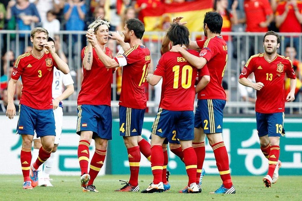 Euro 2012: Σε… φόρμα η Ισπανία (photos+video)