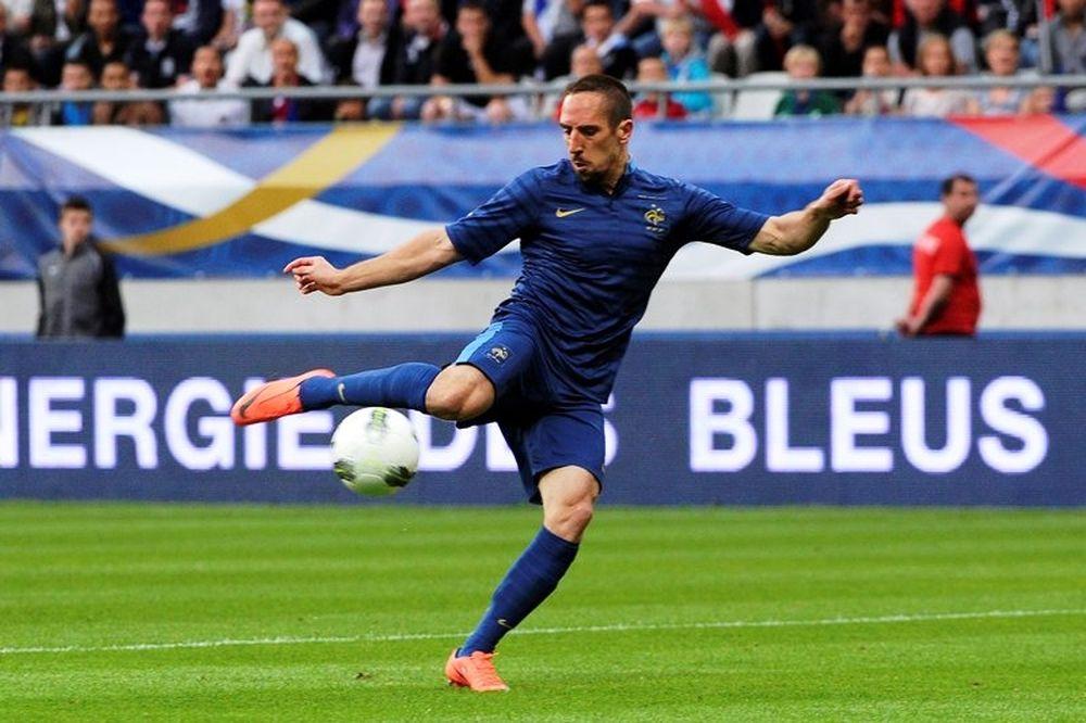 Euro 2012: Συνέχισε νικηφόρα η Γαλλία (photos+videos)