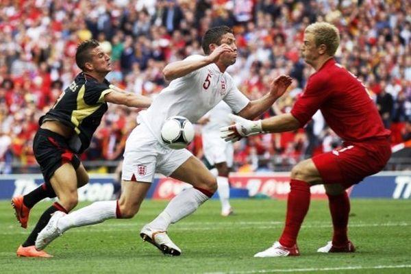 Euro 2012: Αγγλία: Τραυματίστηκε και ο Κέιχιλ! (video)
