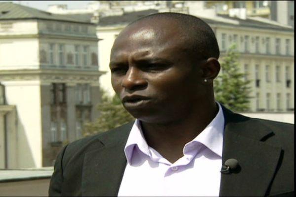 Euro 2012: Ο Ολιζαντέμπε κατά του ρατσισμού στο CNN (video)
