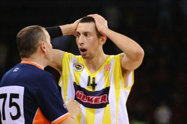 Φεύγει ο Ούκιτς, «παίζει» ο Μάλκοβιτς για Φενέρ!