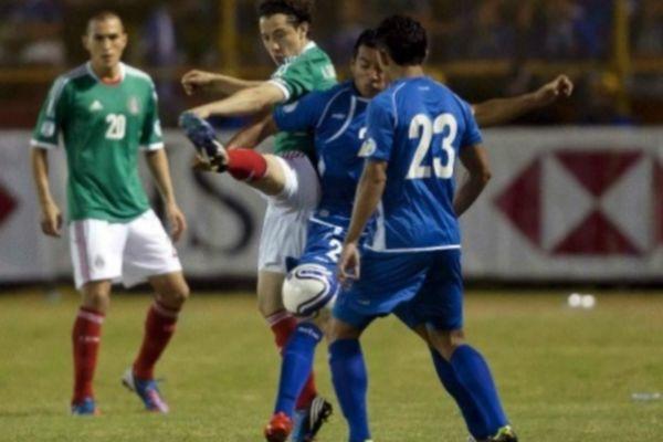 Δύσκολη νίκη για το Μεξικό