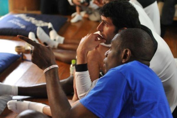 «Πρεσβευτής» ο Ντικέμπε Μουτόμπο