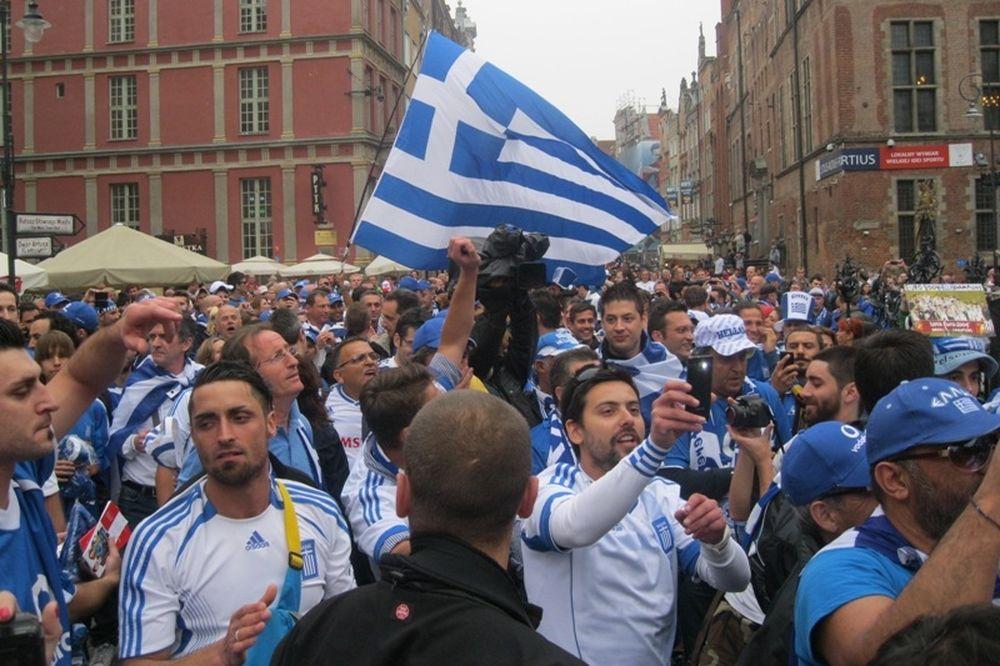 Euro 2012: «Μέσα στην Ελλάδα παίζουμε» (photos+videos)