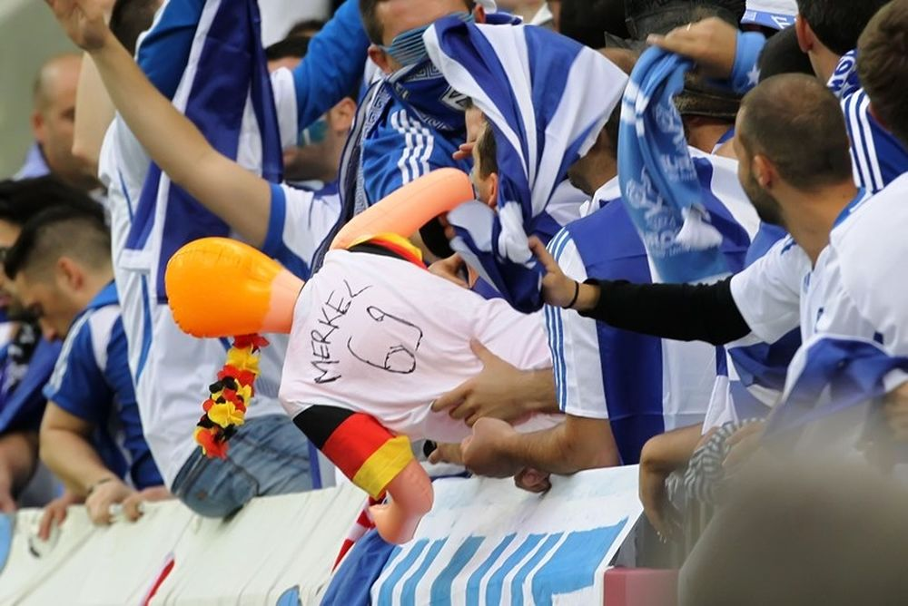 Euro 2012: Πήραν τη… Μέρκελ από τους Έλληνες (photos)