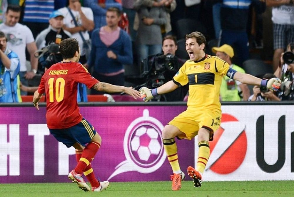 Euro 2012: Τα λόγια του Φάμπρεγκας στην μπάλα (video)