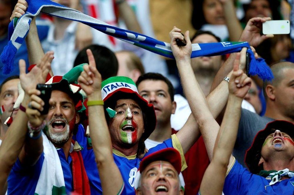 Ξεχύθηκαν στους δρόμους οι Ιταλοί! (videos)