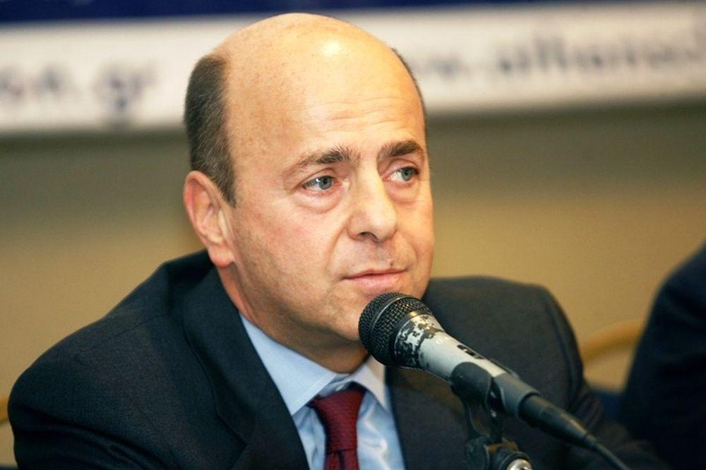 Αλαφούζος: «οφείλουμε σεβασμό στον Καραγκούνη»