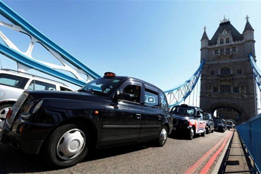 Ολυμπιακοί Αγώνες 2012: Κυκλοφοριακό χάος από διαμαρτυρία οδηγών ταξί