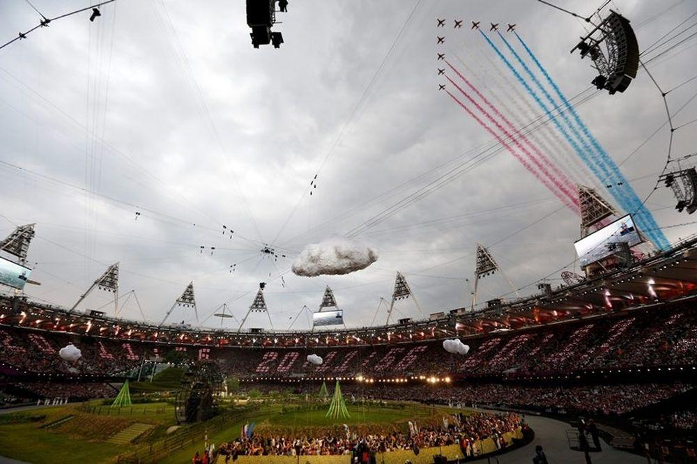 Ολυμπιακοί Αγώνες - Τελετή έναρξης: Το σόου από τα κόκκινα βέλη (photos)