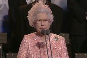 Ολυμπιακοί Αγώνες 2012: Η Βασίλισσα Ελισάβετ σημαίνει την έναρξη (video)