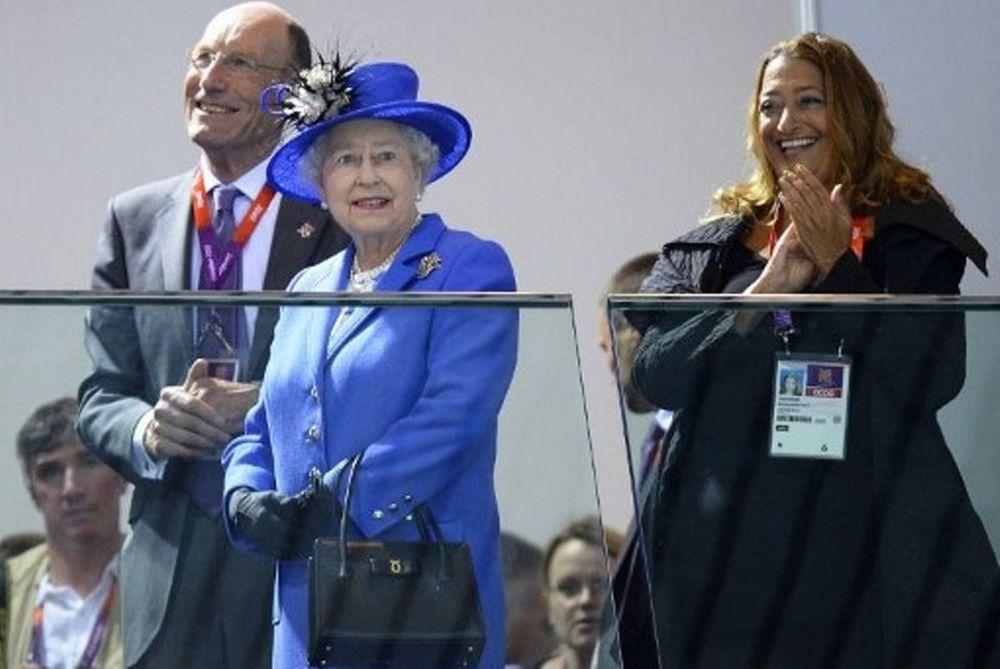 Λονδίνο 2012: Επέλεξε κολύμβηση η Βασίλισσα Ελισάβετ (photos)