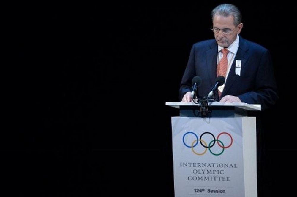 Τελετή Έναρξης Ολυμπιακών Αγώνων 2012: Ανεξάρτητοι Έλληνες: «Να ζητήσει συγγνώμη ο Ζαγκ Ρογκ»