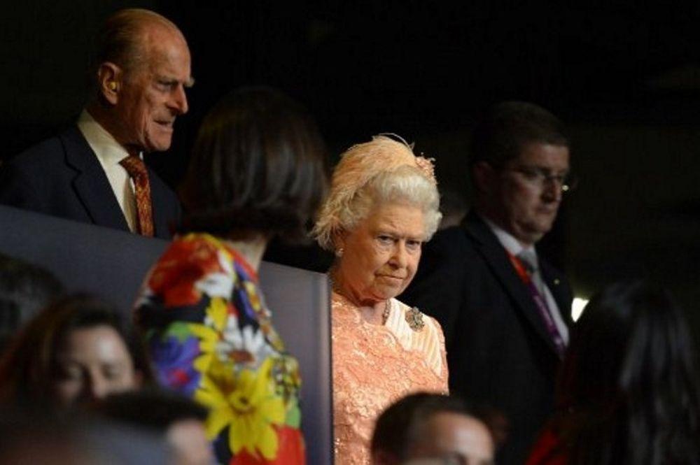 Τελετή έναρξης Ολυμπιακών Αγώνων 2012: Δεν… αντιστάθηκε στον Τζέιμς Μποντ η Βασίλισσα Ελισάβετ!